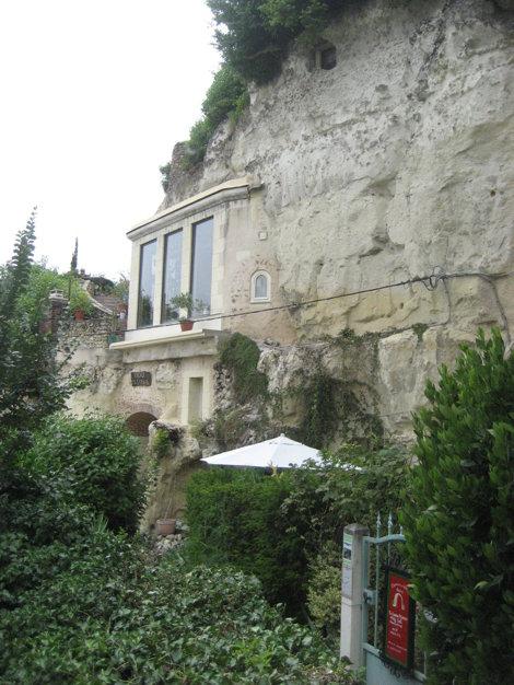 Casă în peşteră, Troo, Franţa