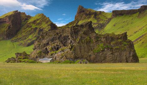 Case în stâncă, Islanda