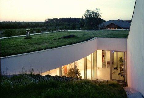 Casa OUTrial, Polonia