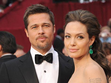 Angelina Jolie îl ameninţă pe Brad Pitt cu dezalcoolizarea