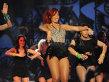 Rihanna şi-a schimbat look-ul radical! Vezi cum arată acum cântăreaţa