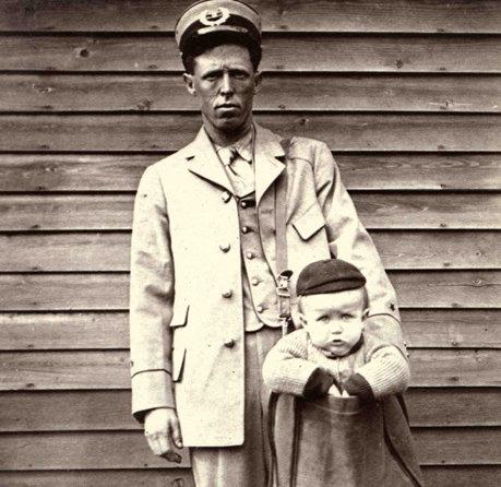 Până în anul 1913, americanii își puteau expedia legal copiii cu serviciul de coletărie.