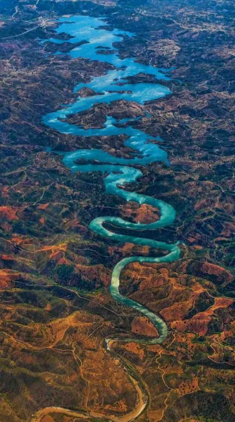 The Blue Dragon River, Portugalia