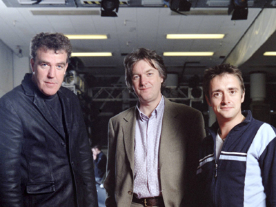 Prezentatorii emisiunii Top Gear: Jeremy Clarkson, James May, Richard Hammond