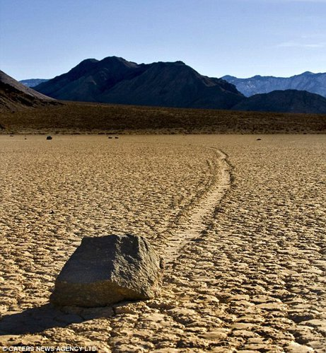 bolovanii vii din Valea Mortii, California