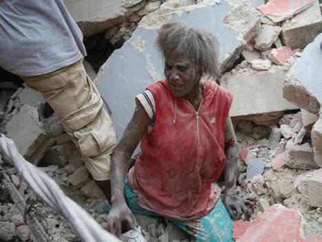 Imagini socante dupa cutremurul din Haiti (Poze si Video)