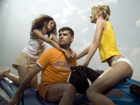 Barbatii prefera blondele ca amante si brunetele de neveste