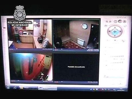 Dorel si-a strangulat sotia insarcinata si a aratat-o pe webcam tatalui din Romania