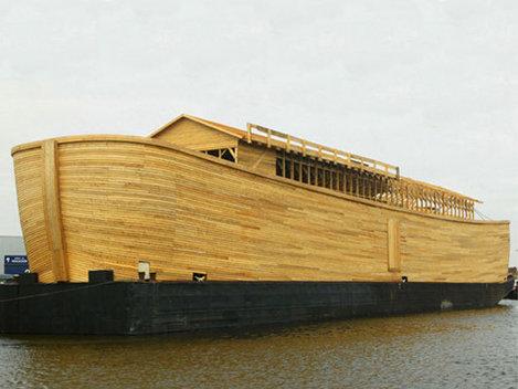 In urma unei viziuni apocaliptice un olandez si-a construit Arca lui Noe