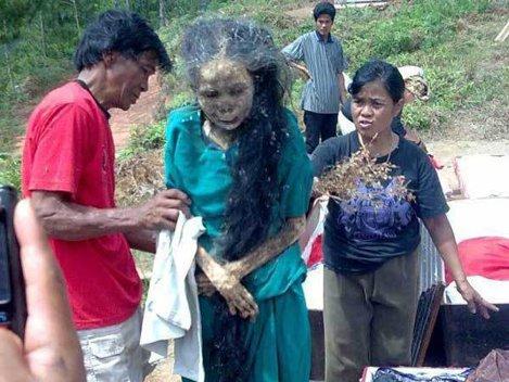 Mitul morţilor care umblă, din Tana Toraja (Indonezia)