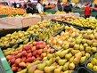 Legume şi fructe contaminate cu pesticide, ajunse la vânzare
