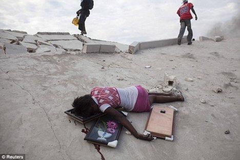 Fabienne Geismar (15 ani) a fost impuscata de politie in cap