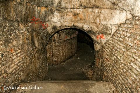 Scari spre nivel subteran - Bateria 14-15