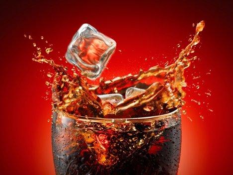 Este mare fan Coca Cola, deși are contract semnat cu Pepsi