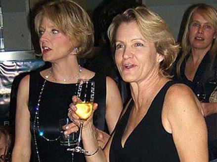 Jodie Foster, 25 mil dolari in divortul de Cydney Bernard
