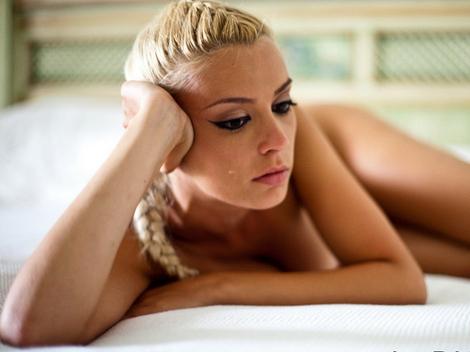 Diana Dumitrescu nud