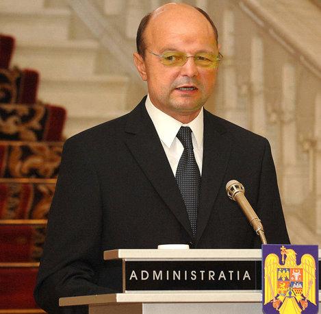 Traian Boc sau Emil Basescu?!