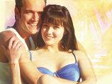 Cum arată Brenda, vedeta din serialul ''Beverly Hills 90210'', la 43 de ani!