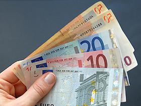 Leul scoate inca o data gheara la euro