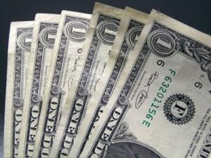 Dolarul incepe sa-si revina