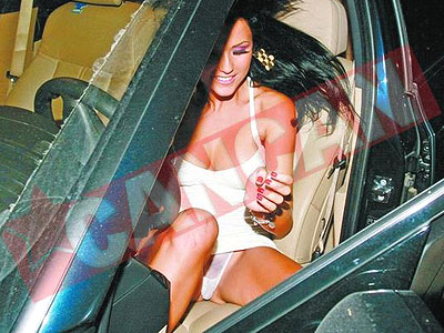Daniela Crudu la petrecerea FHM