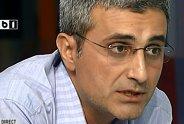 """Cristian Tudor Popescu: """"Chiloţi turceşti. Turcescu. Cuvântul potrivit: grotesc. Mi-am aminitit de cerşetorii de la intersecţie"""""""