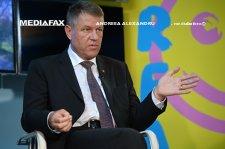 """Iohannis şi-a cerut scuze profesorilor pentru afirmaţia """"ghinion"""" rostită la Gândul Live"""