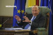 Preşedintele Băsescu şi premierul Ponta, la Carei, la ceremoniile de Ziua Armatei/ Băsescu: Misiunile Armatei au fost întotdeauna în deplin acord cu interesele naţiunii române