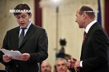Băsescu, despre ACL: Am fost umilit de oamenii ăştia. Eram preşedinte şi am fost trimis la un garaj