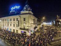 PROTESTE în DIASPORA pentru un vot corect în turul doi. Românii ies în stradă la Londra, Paris, Madrid, Milano, Viena, Berlin şi Dublin