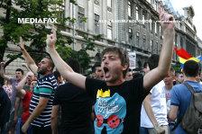 Iohannis, către tineri: Mergeţi la vot, convingeţi-vă şi părinţii şi bunicii să o facă