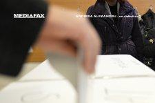 Bucureştenii îşi pot face buletin şi sâmbătă şi duminică, pentru alegerile prezidenţiale