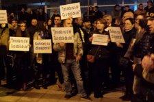Miting de protest în Piaţa Universităţii, la ora 18. ''Ieşim în stradă pentru că ne-am săturat să fim un popor de victime''