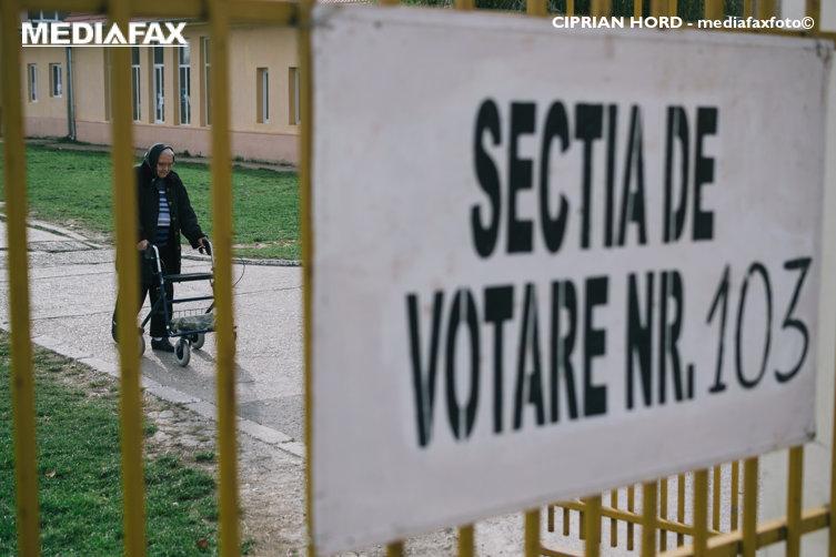 Oraşul în care se votează cu lumânări şi lanterne, după o pană de curent