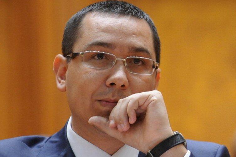 """Ponta îşi recunoaşte înfrângerea: """"L-am sunat pe domnul Iohannis şi l-am felicitat pentru victorie"""""""