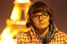 """1 DECEMBRIE. Mesajul unei tinere românce din Paris: """"Acum e momentul să ne facem cunoscute visele şi să le transformăm în realitate"""
