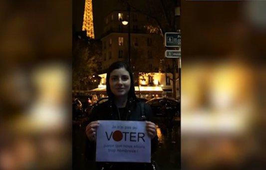 """Mesajele românilor din Paris. """"Întrebare pentru românii din ţară: Voi câte ore aţi stat la coadă ca să votaţi?"""""""