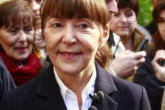 """Mesajul Monicăi Macovei pentru nehotărâţi: """"Gândiţi-vă cum va arăta România mafiotizată de Ponta"""""""