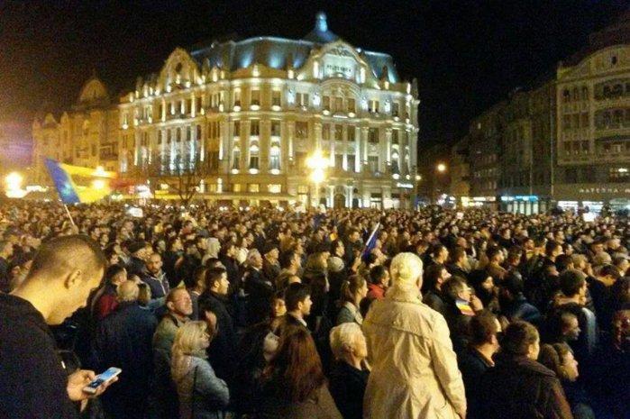 Românii ies din nou în stradă, cu două zile înainte de alegeri. HARTA PROTESTELOR pentru un vot corect în turul doi