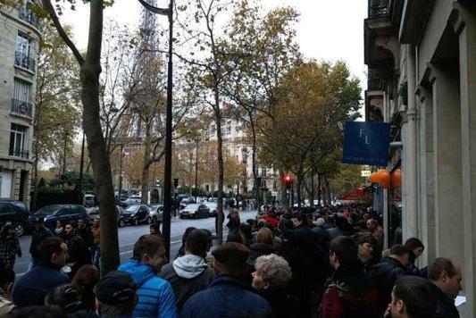 """Cozile ruşinii la Paris. Observator: """"Mii de oameni nu vor putea vota"""""""