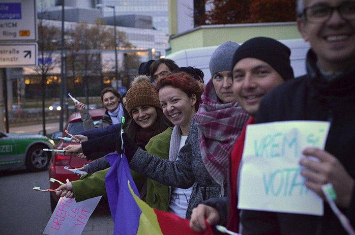 C.T. Popescu: Acesta este cel mai important vot de după 1989. Asistăm la un adevărat război al civilizaţiilor - VIDEO