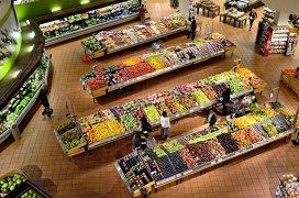 Franţa: prima ţară din lume care obligă supermarketurile să doneze mâncarea nevândută în loc să o lase să se strice