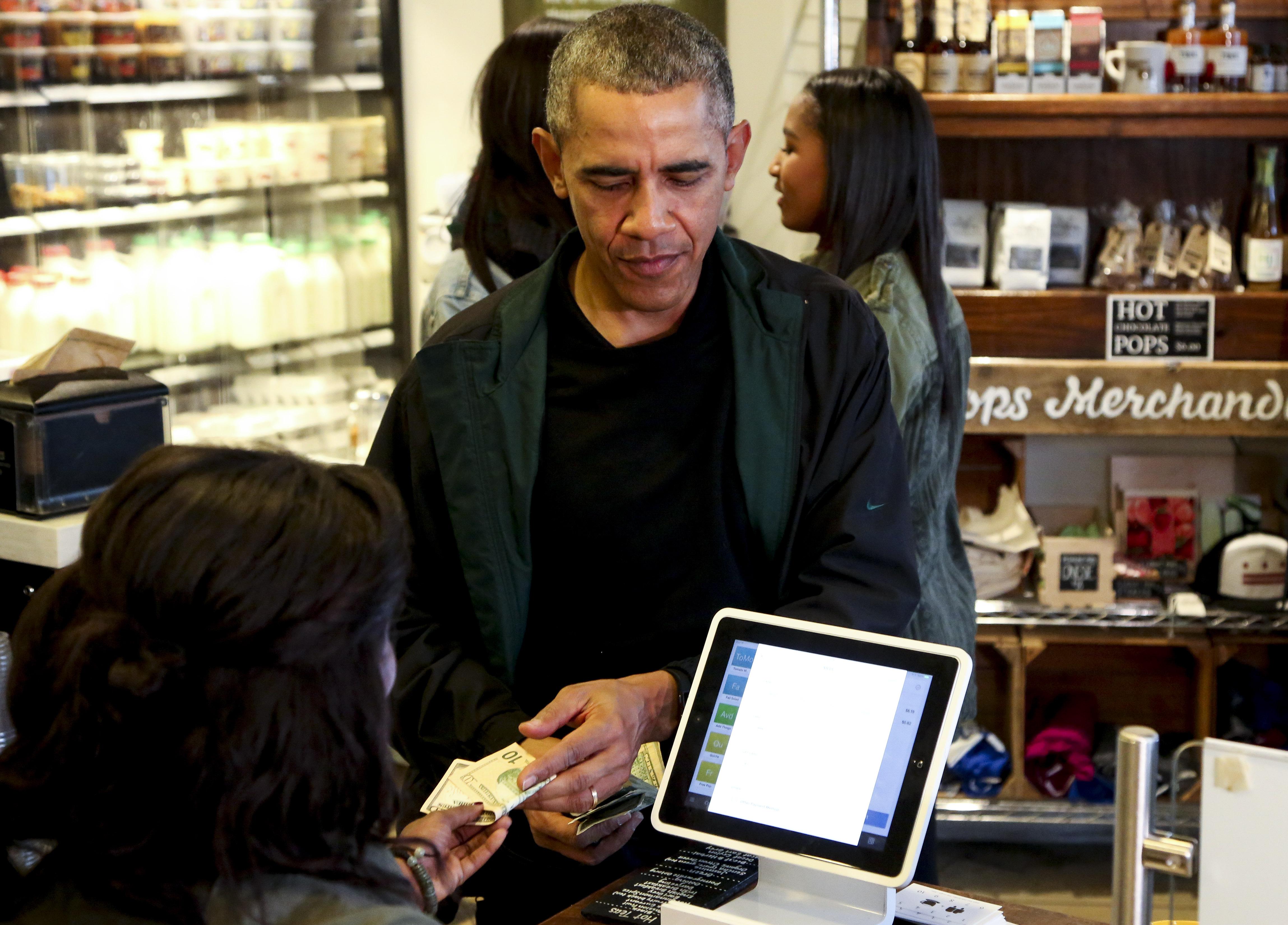 Ce vin bea preşedintele Americii. Nu se mai găseşte nicio sticlă după ce s-a aflat