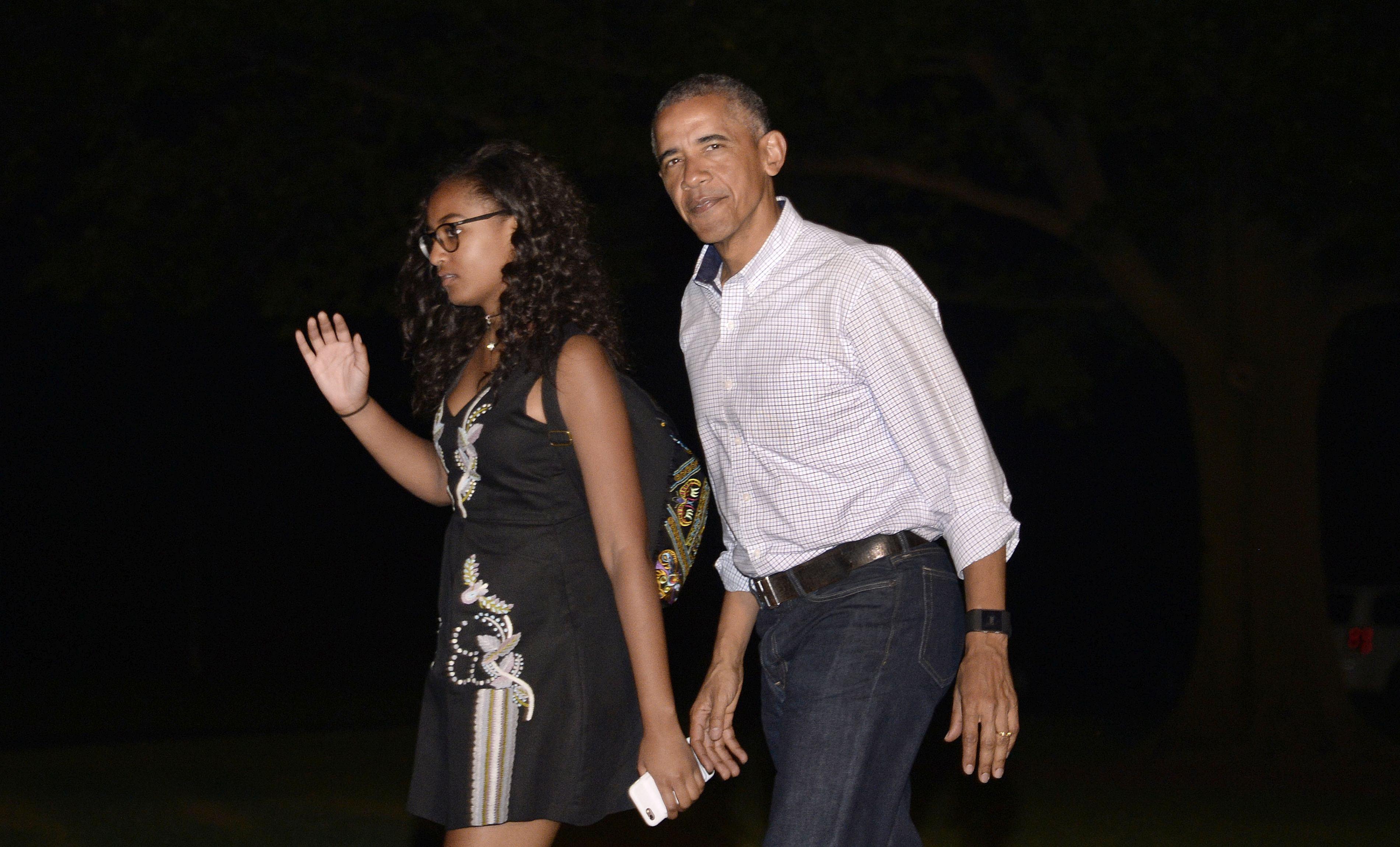 Sasha, fiica cea mică a preşedintelui Barack Obama, s-a angajat într-un restaurant
