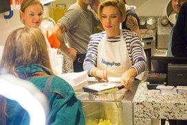 Reţete inedite. Scarlett Johansson deschide primul magazin de popcorn gourmet din Paris