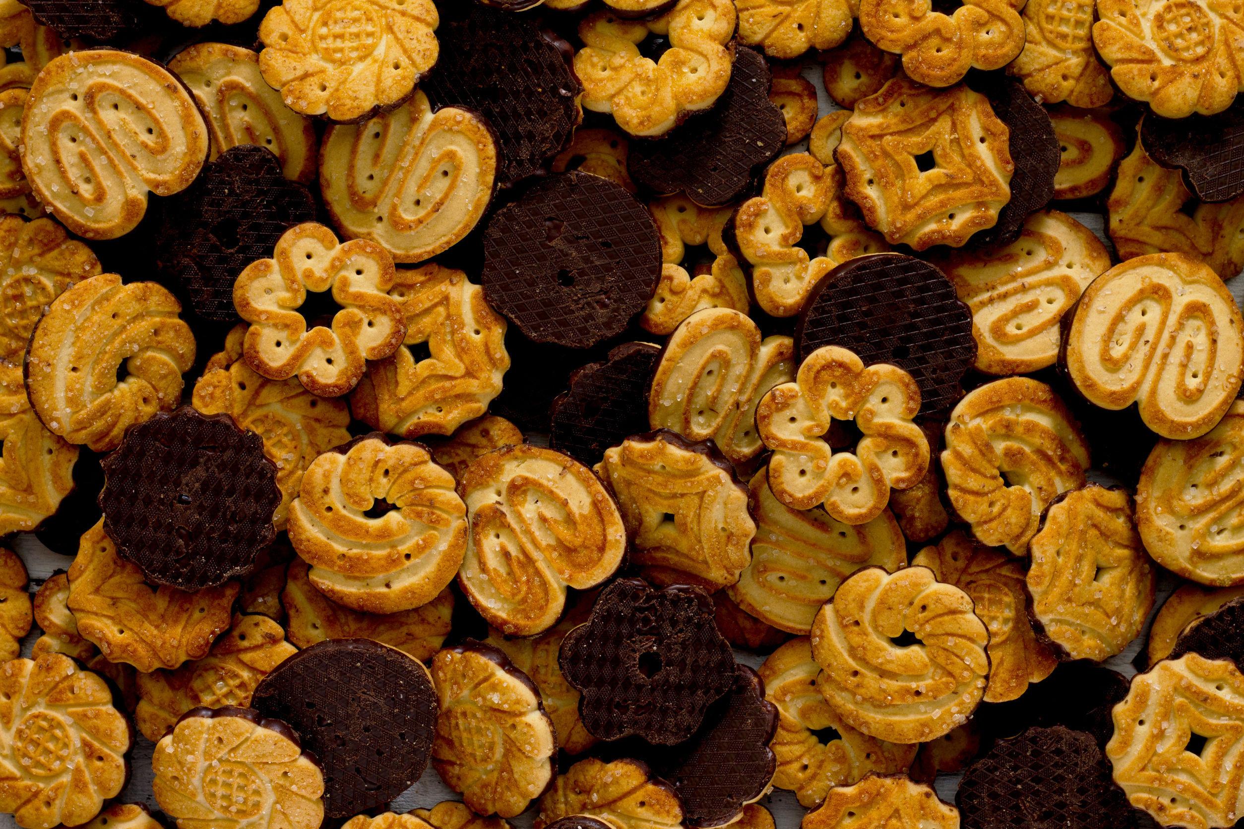 Românii cheltuiesc 43 de milioane de euro pe cadouri dulci în decembrie. Care sunt cele mai căutate arome şi produse