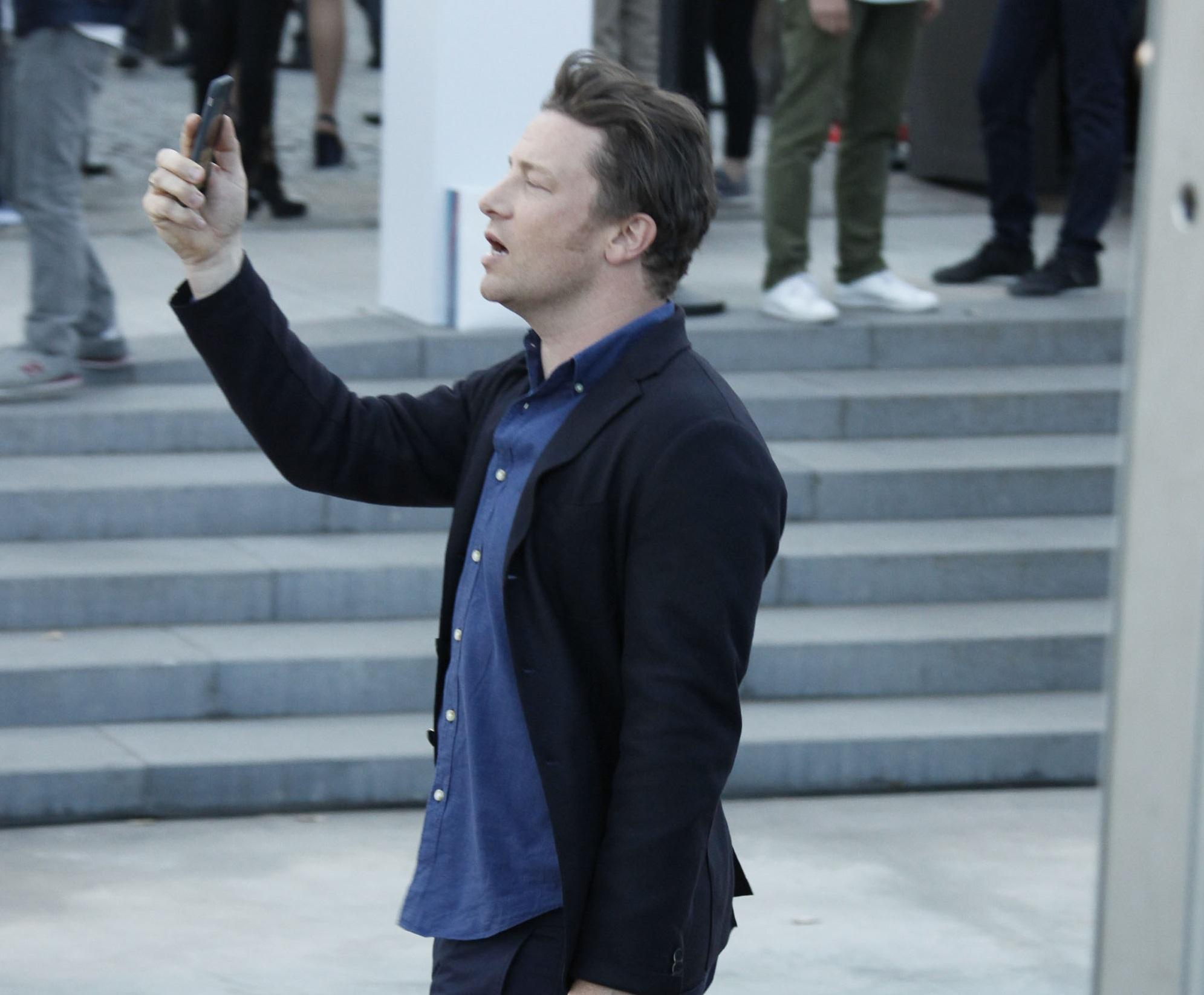 Jamie Oliver închide şase restaurante în Marea Britanie din cauza incertitudinilor legate de Brexit
