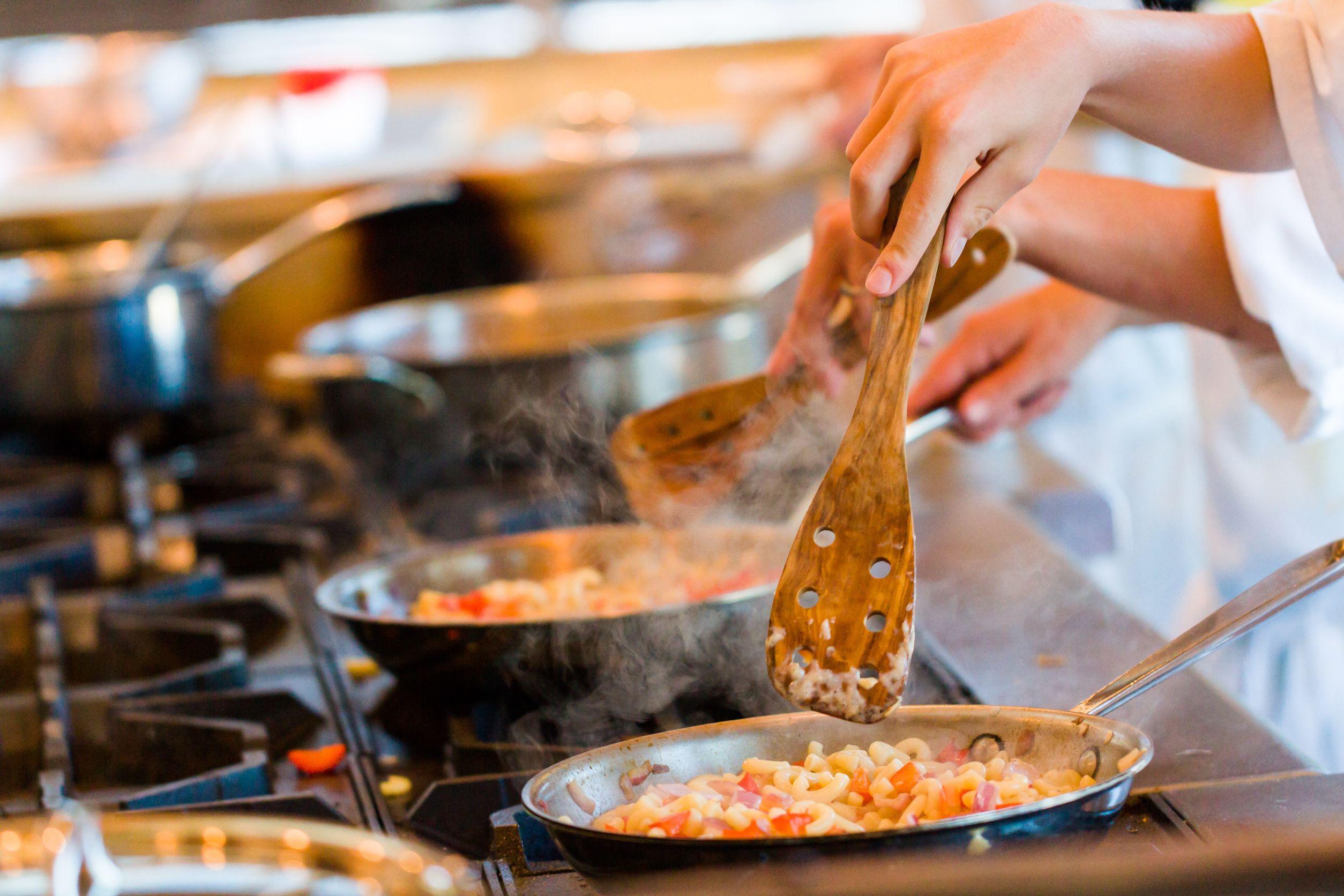 Stop risipei de mâncare. Decizia luată de unii dintre cei mai cunoscuţi bucătari ai lumii