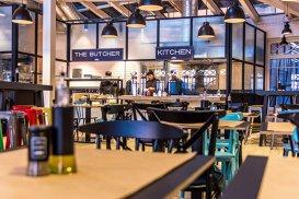 Povestea AtFabrika, primul restaurant de tip Fresh Market din România, fără chelneri, dar cu tehnologie de ultimă generaţie