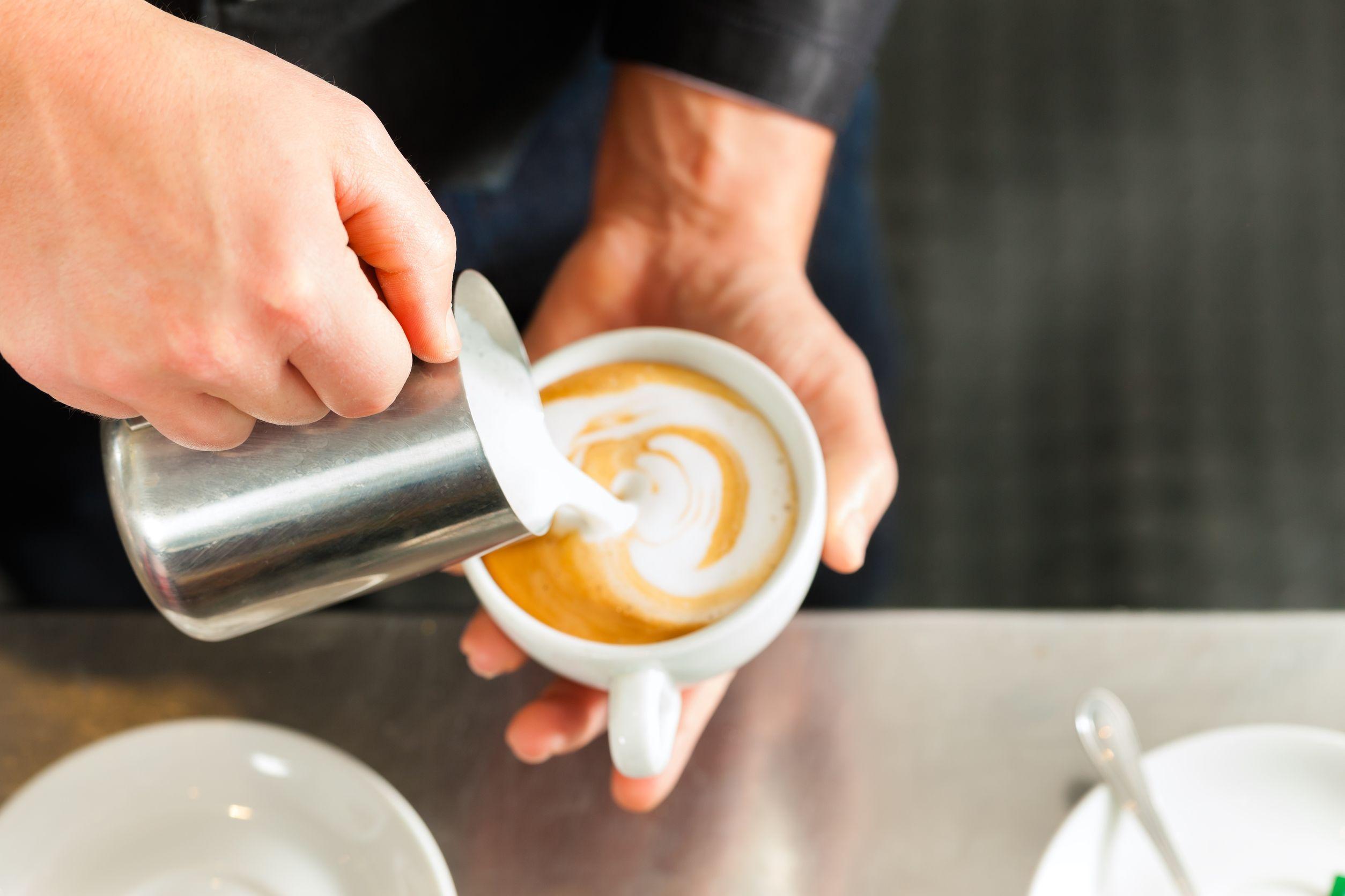 Cel mai popular business în România: cafeneaua. Barista, o profesie tot mai căutată